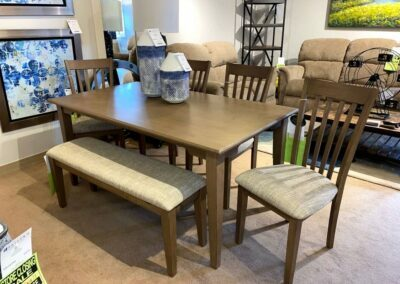 Decorative Dining Furnitures in Manchester, NH